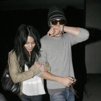 Vanessa-hudgens-and-zac-efron