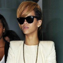 Do you like Rihanna's new hair?