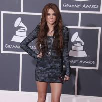 Who looked better at the Grammys: Miley Cyrus or Lea Michele?