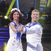 Nicole and Derek Hough