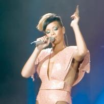 Rihanna-fashion-statement