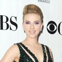 Red-carpet-scarjo