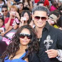 Who looked better at the MMVAs, Perez or Pauly D?