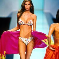 Gisele B. Bikini Pic