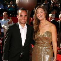 Landon-donovan-and-bianca-kajlich