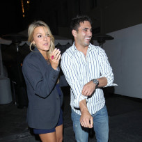Roberto-martinez-and-ali-fedotowsky-picture