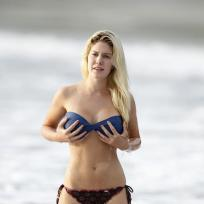 Heidi-montag-fake-breasts