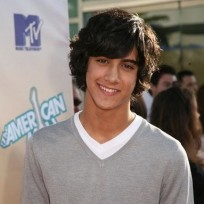Avan-jogia-photo