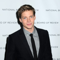 Would Hunter Parrish make a good Finnick Odair?