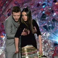 Justin Timberlake Fondles Mila Kunis