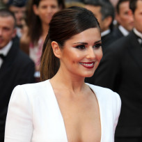 Cheryl-cole-cleavage-shot