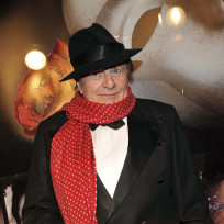 Barry-humphries-picture