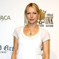 Laura prepon pic