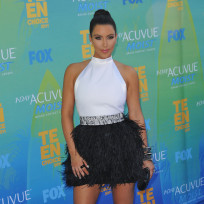 Which Kardashian sister looked best at the Teen Choice Awards?