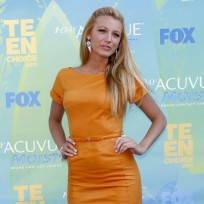 Blake-lively-orange-dress
