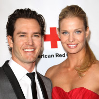 Mark-paul-gosselaar-and-catriona-mcginn