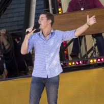 Scotty-mccreery-in-central-park