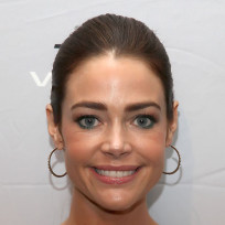Should Denise Richards move next door to Charlie Sheen?