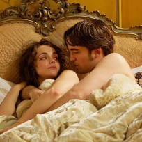 Robert Pattinson in Bed