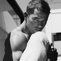 Flexible kellan lutz