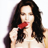 Kelly Brook Topless Picture
