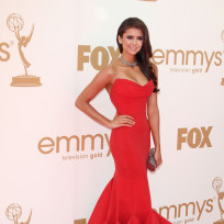 Which actress looked better at the Emmys: Nina or Lea?
