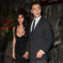 Amy Winehouse and Reg Traviss Photo