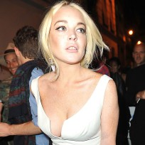 Lindsay lohan hangs out