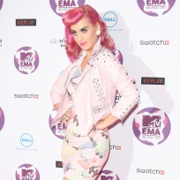 Katy-perry-pink-hair