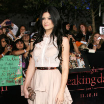 Which Jenner sister looked better at the Breaking Dawn premiere?
