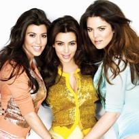 Kourtney-kardashian-kim-kardashian-khloe-kardashian-pantsless