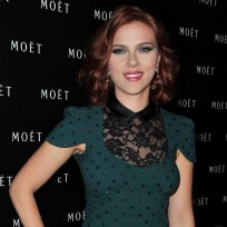 Scarlett-johansson-green-dress