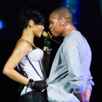 Hot chris brown rihanna picture