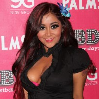 Snooki cleavage pic