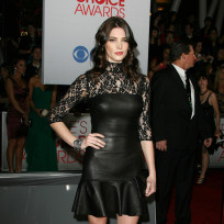 Ashley-greene-at-peoples-choice-awards