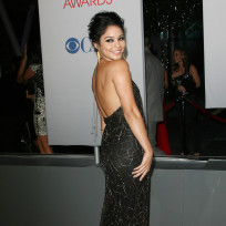 Vanessa hudgens peoples choice awards dress