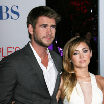 Liam-hemsworth-with-miley-cyrus
