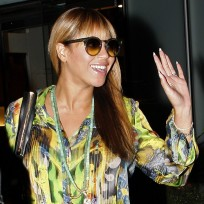 Do you like Beyonce with bangs or without?