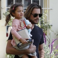 Gabriel-aubry-with-daughter