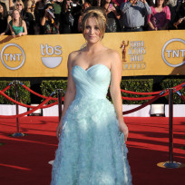 Kaley cuoco at sag awards