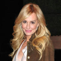Taylor-armstrong-on-the-street