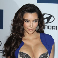 Kim-kardashian-and-her-breasts