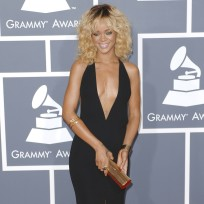 Rihanna-grammys-dress