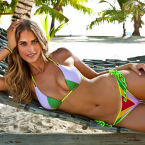 Julie-henderson-bikini-pic