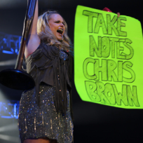 Miranda Lambert, Chris Brown Sign