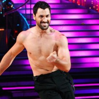Maksim-chmerkovskiy-shirtless-pic