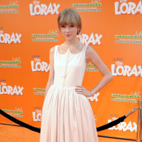 Taylor-swift-at-the-lorax-premiere