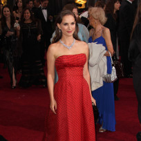 Natalie-portman-red-carpet-look