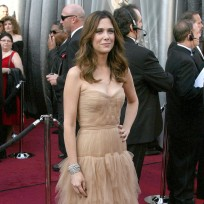 Who looked better at the Oscars, Kristen Wiig or Ellie Kemper?