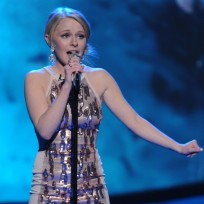Which American Idol woman has a better chance of going all the way?